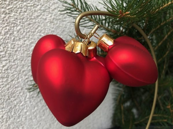 Red Heart hanging glass ornaments